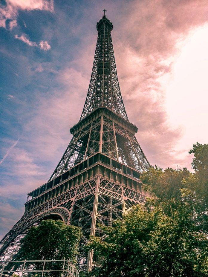 טיול בת מצווה פריז