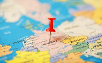 """לטוס לחו""""ל עם דרכון גרמני"""